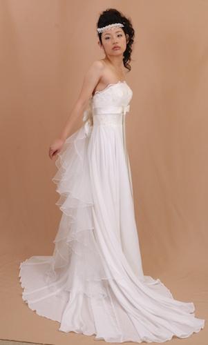 花嫁さんを100倍キレイに魅せるウェディング,アレンジ前のエンパイアドレス