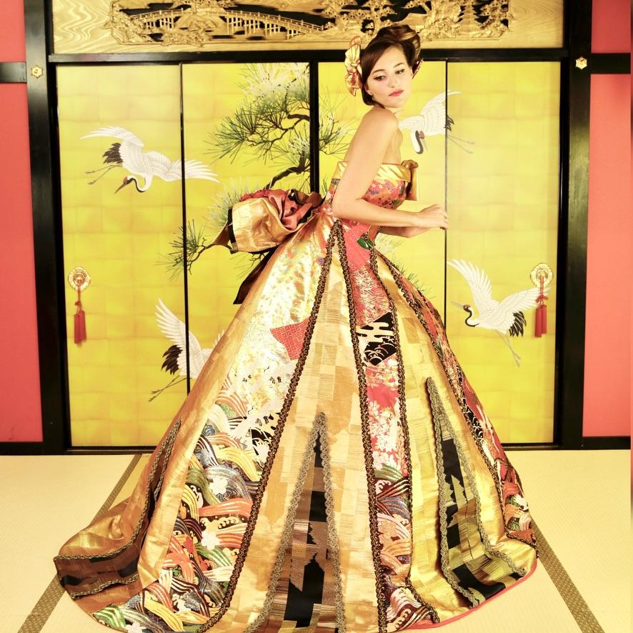 ドレスのデザインで美しく見える