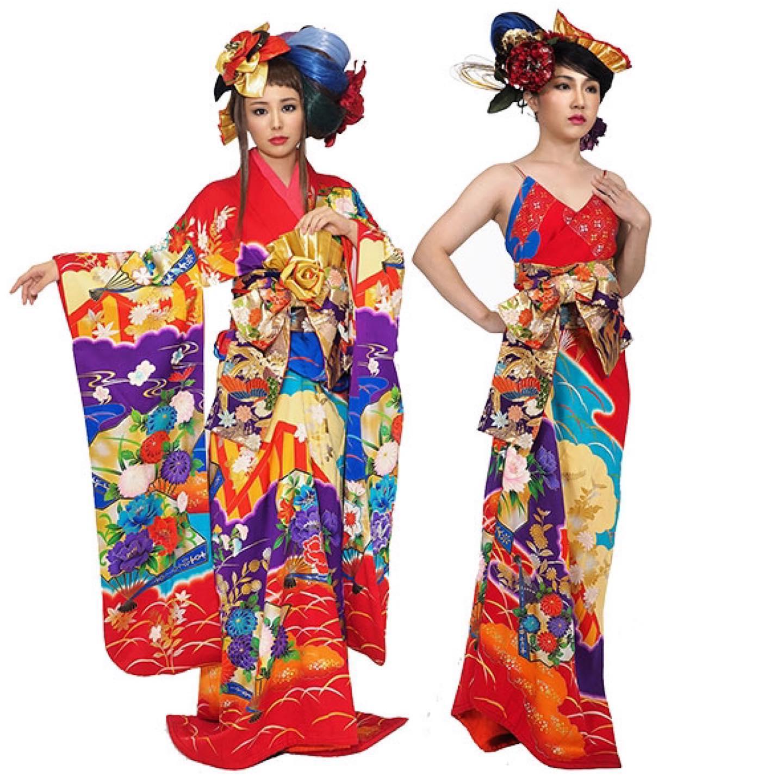 振袖からドレスへ、ドレスから振袖へ、3パーツでアレンジ自在。原色の色鮮やかな振袖は ドレスにしても美しい🥰