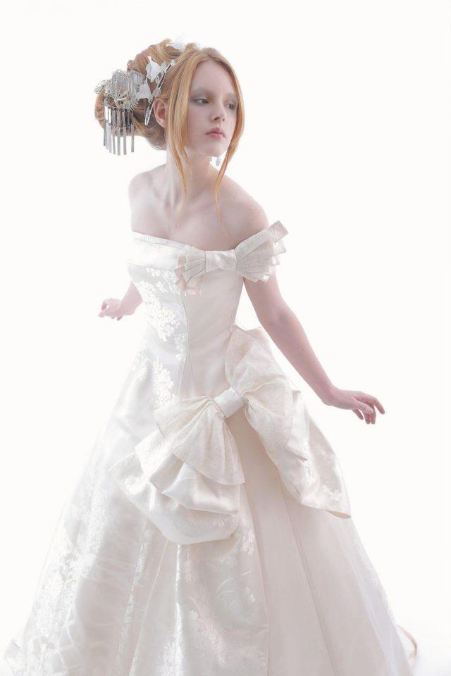 【結婚式】白無垢を披露宴で着るのはおかしい?教会式だけど白無垢も着たい!