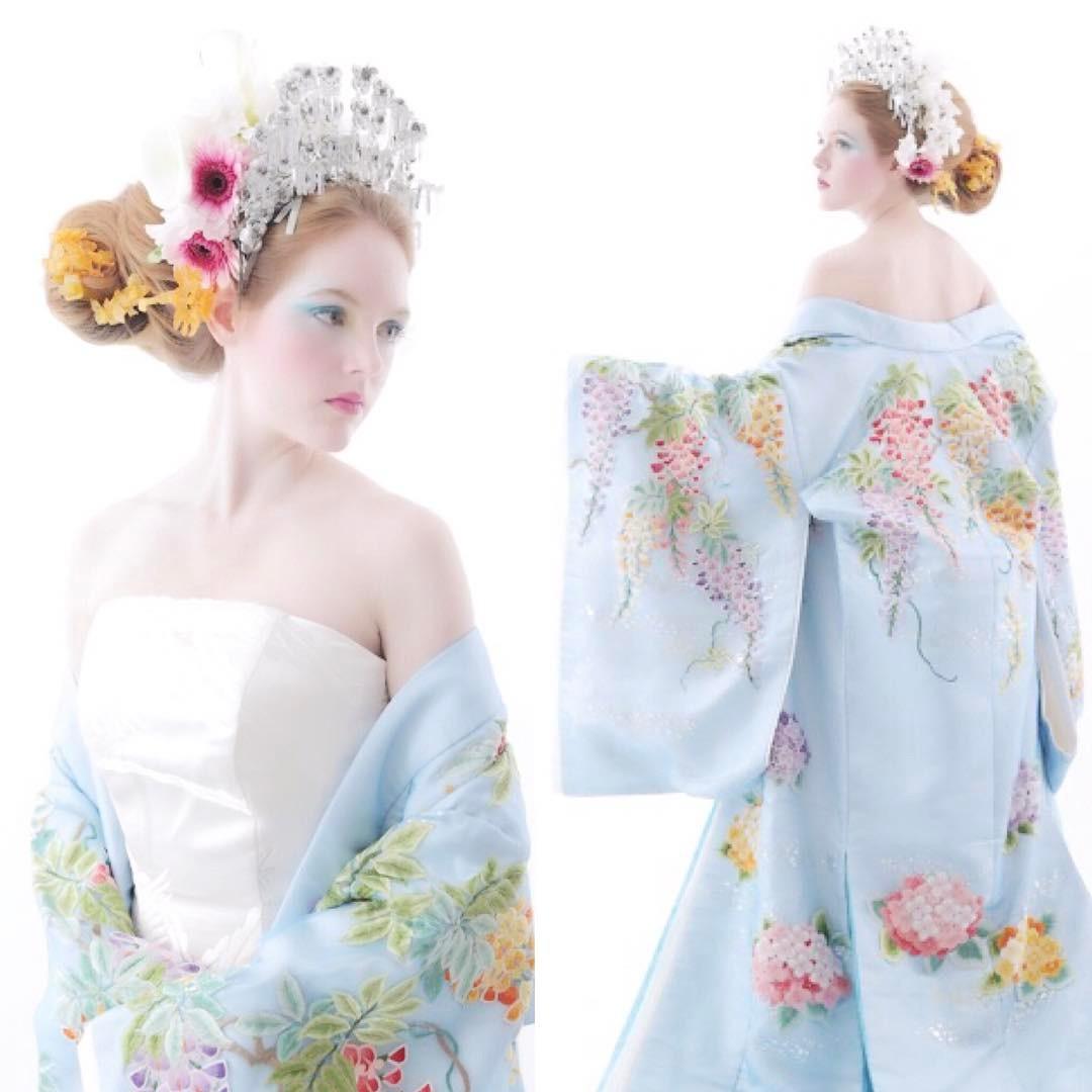 An image of a light blue kimono