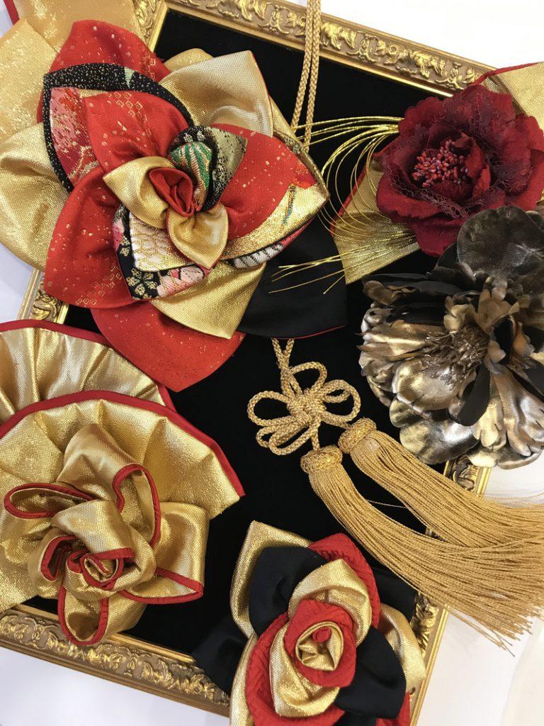 花モチーフ フリンジ 和風 大きな髪飾り ゴールド